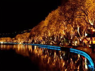文旅夜游带动夜间经济大放异彩